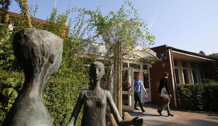 Eingang des Gymnasium Hochrad